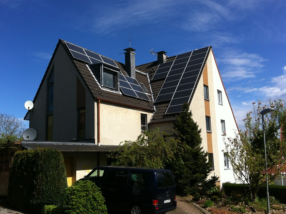 Is Spring the Best Season to Switch to Solar Panels